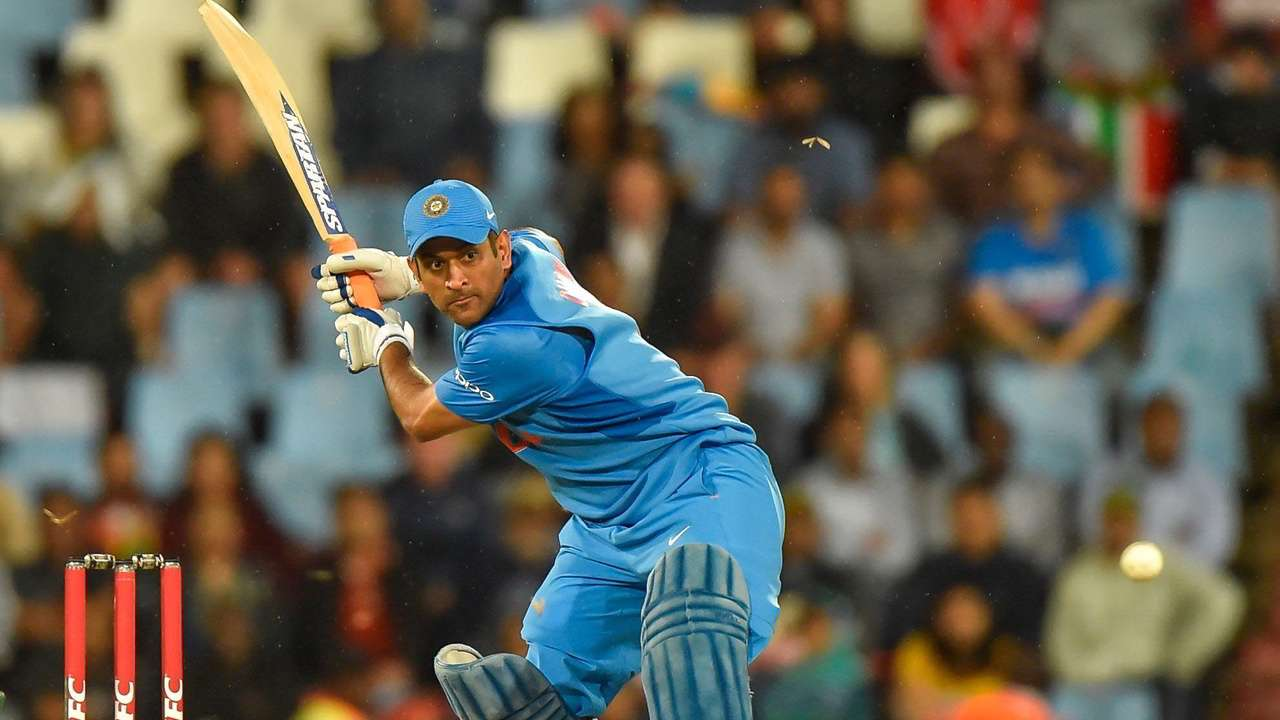 MS Dhoni - top paid