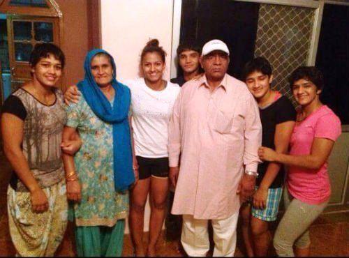 Vinesh Phogat with Family KreedOn