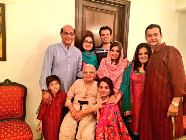 Tania Sachdev with entire family