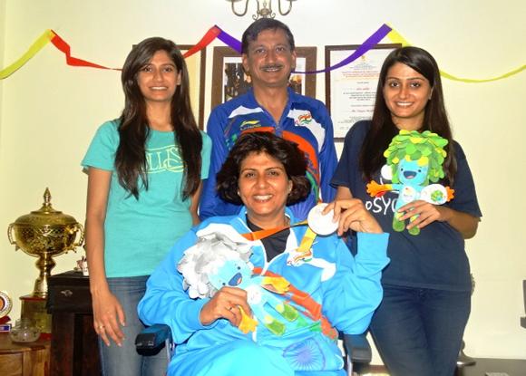 Deepa Malik with her family KreedOn