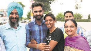 Harmanpreet Kaur with her family KreedOn