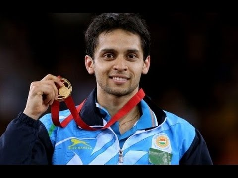 Parupalli Kashyap flaunting his medal