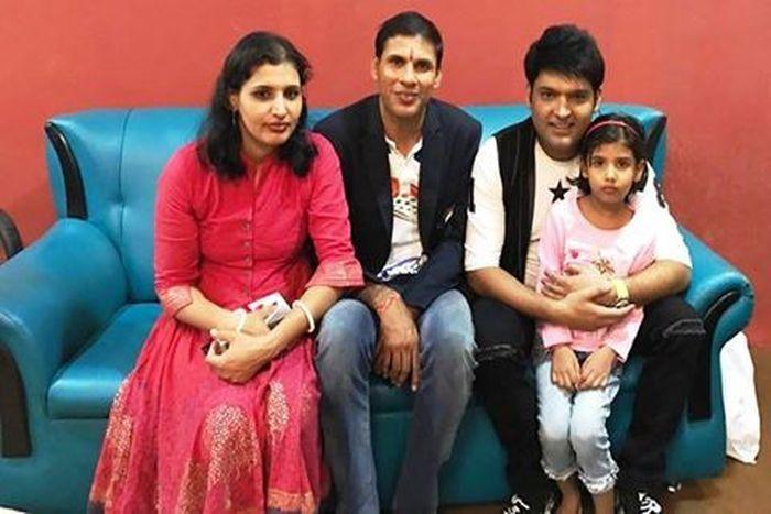 Devendra-Jhajharia with family at the Kapil Sharma show