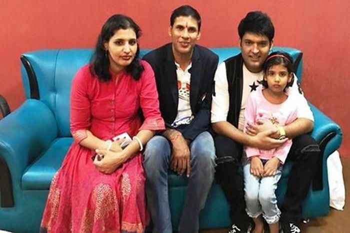 Devendra-Jhajharia with family at the Kapil Sharma show