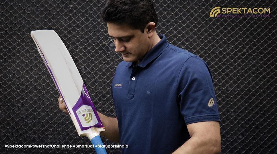 Anil Kumble with Power Bat KreedOn