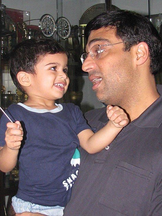 viswanathan anand family