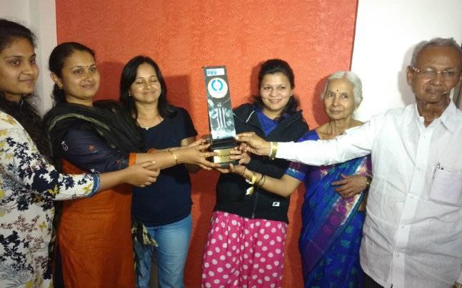 kedar jadhav family