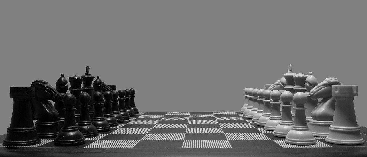 Chess pieces Kreedon