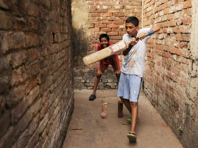 grounded shot in street cricket kreedon