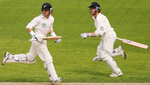 Identical twins in cricket kreedon: Marshall Brothers