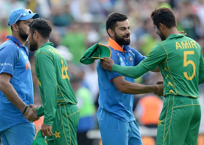 Virat shaking hands with Amir after the Finals loss in CT17 kreedon