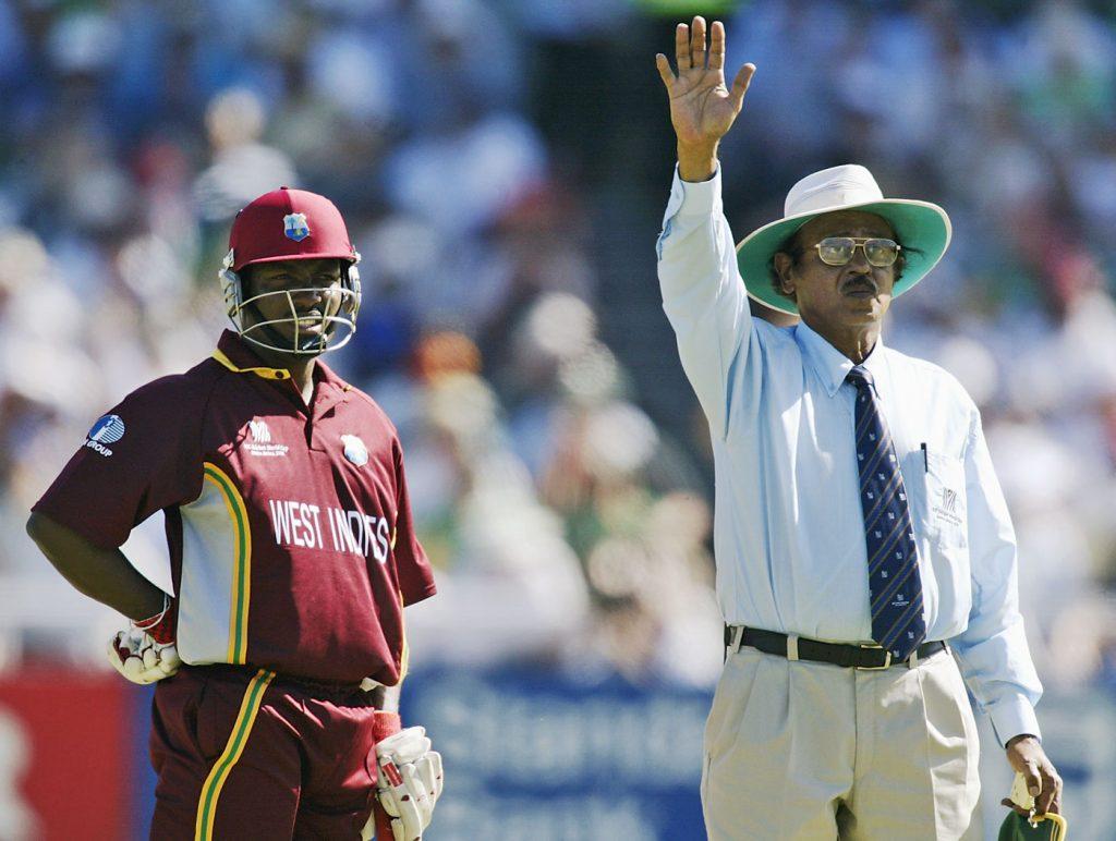 Indian umpire signals byes kreedon