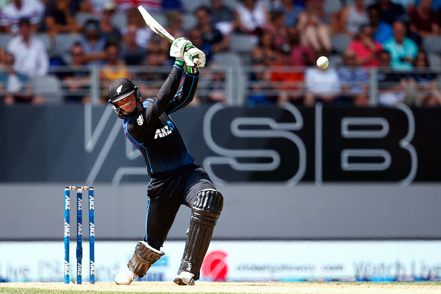 Longest six in cricket kreedon: Guptill 113m six vs Australia