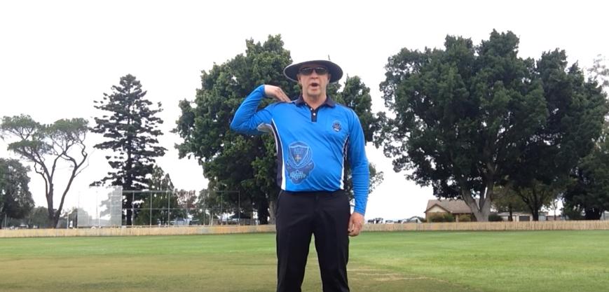 one run short signal in cricket kreedon