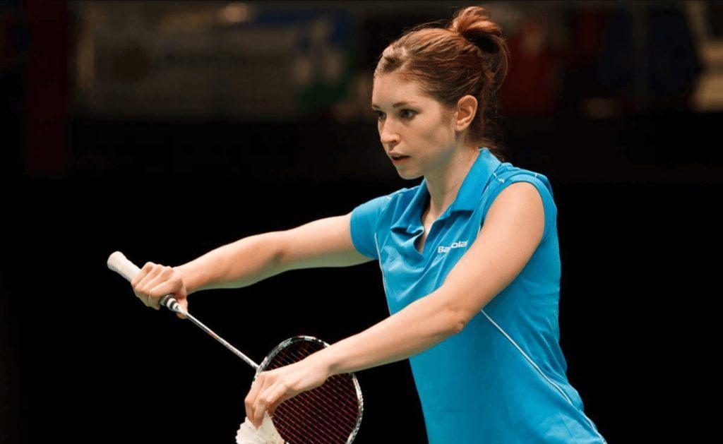 Serve Badminton Kreedon