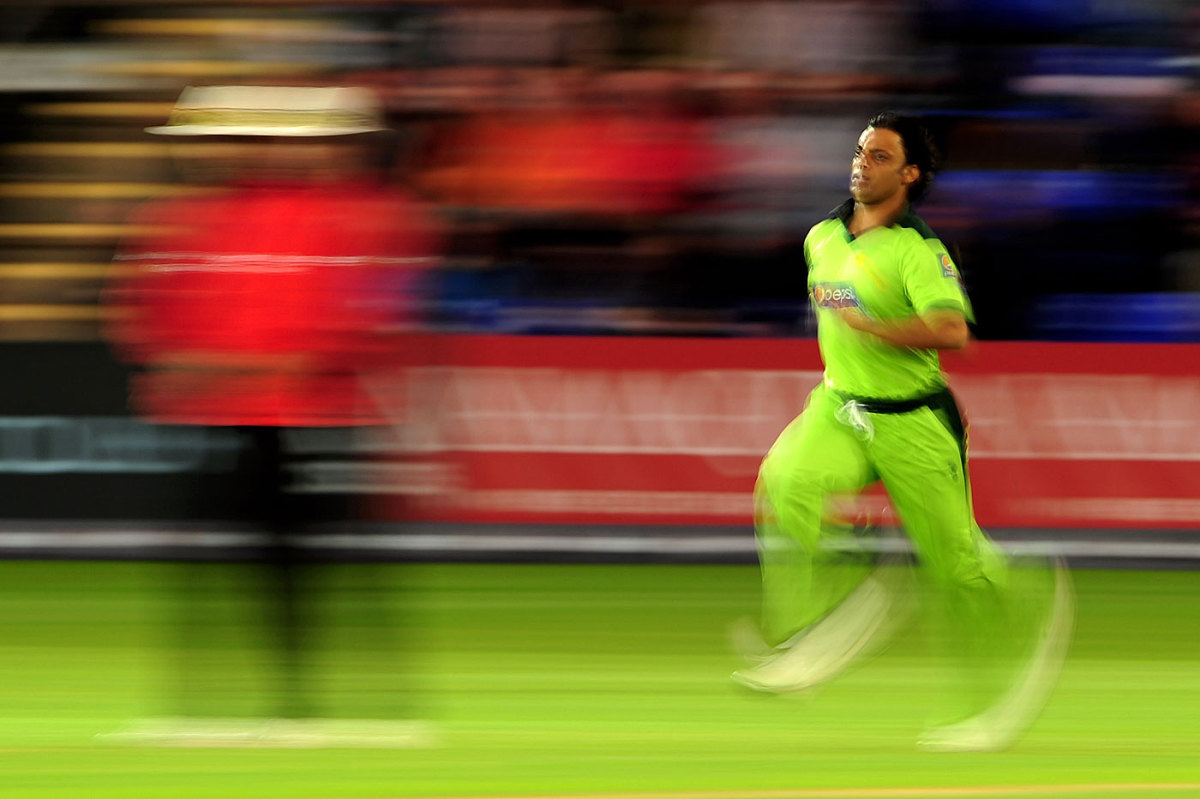 Types of Bowling in Cricket KreedOn
