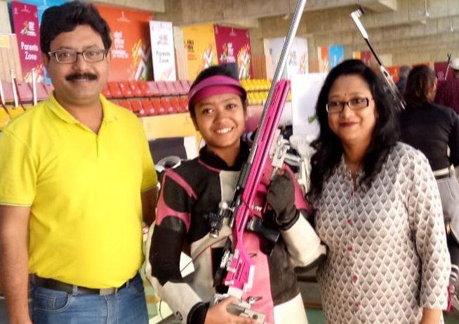 Ayushi Podder Family KreedOn