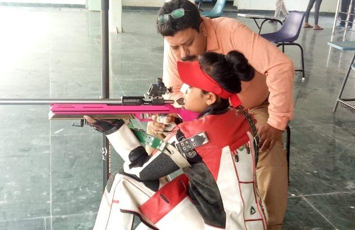 Ayushi and her father Pankaj Podder