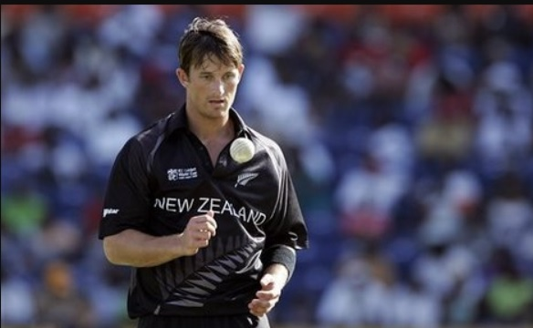 Shane Bond fastest bowler in the world KreedOn